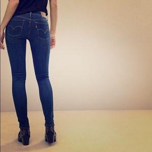 Levi's Jeans - Forever Cool! Sz 25 Levi's 710 Super Skinny